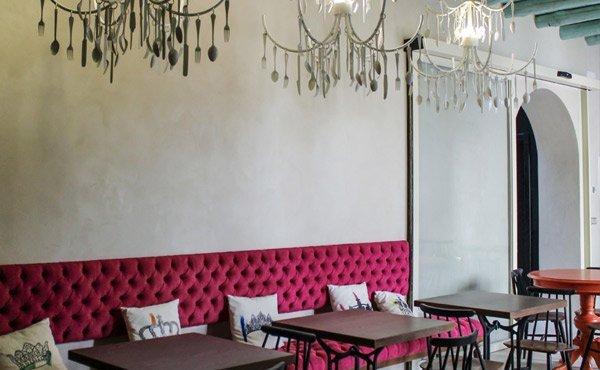 Gastrobar del Hotel Restaurante Essentia, en Aracena (Huelva), España.