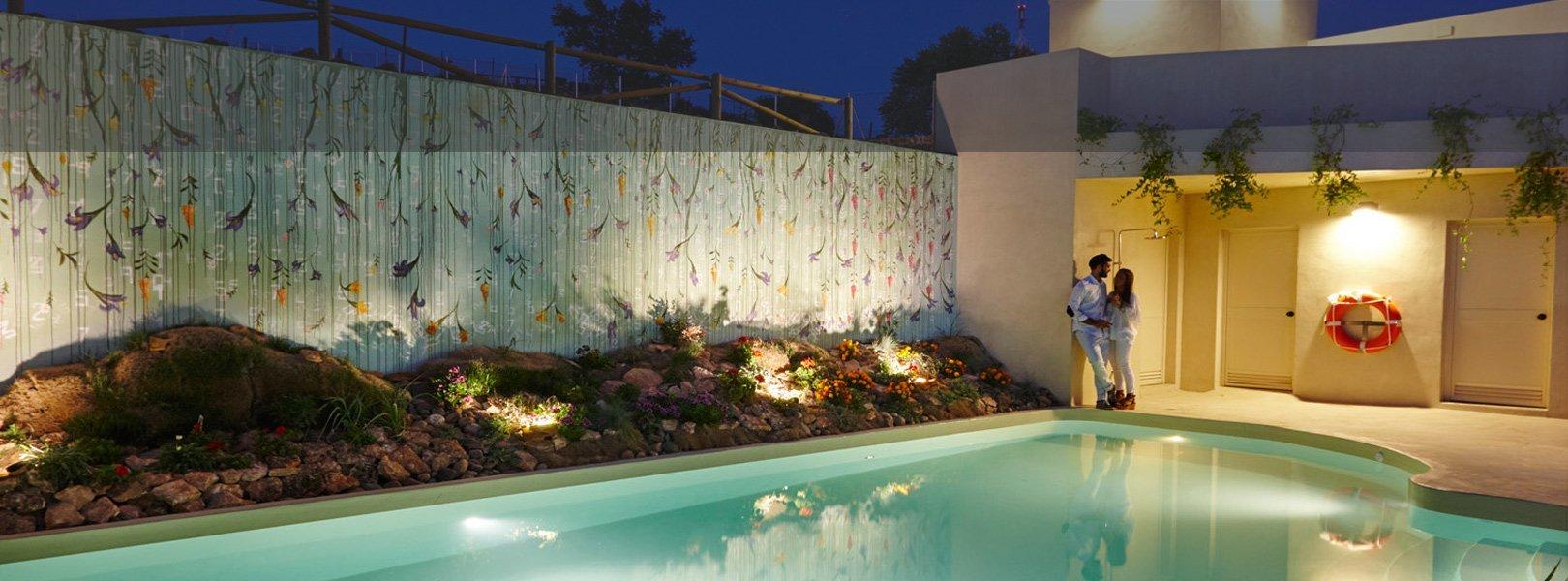 Piscina hotel Essentia Aracena, Huelva, España.